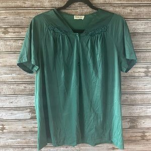 5/$25 Vanity Fair Made in USA Shirt Sleeve Blouse